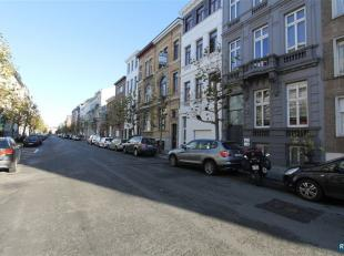 'T ZUID  |  KARAKTERVOLLE, INSTAPKLARE DUPLEX MET 2 SLPK + TERRAS!<br /> Fantastisch gelegen en instapklare duplex appartement  op Antwerpen 't Zuid.<