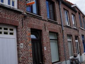Leuke INSTAPKLARE woning in het centrum van Brugge en nabij het Graaf Visaertpark. De woning bestaat uit leefuimte, ingerichte keuken, 2 slaapkamers,