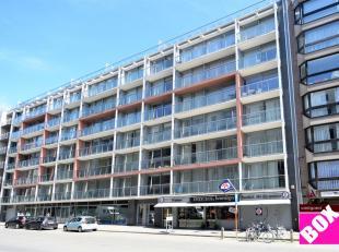 Stijlvol appartement met 2 slaapkamers en groot zonneterras, hartje Oostende. Uitstekend gelegen op de eerste verdieping in een standingvolle resident