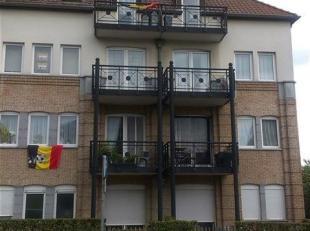Mooi, gezellig duplex 3-kamertype appartement, 80m², gelegen op de 3de verdieping (geen lift aanwezig) met vooraan klein balkon.<br /> Het appart