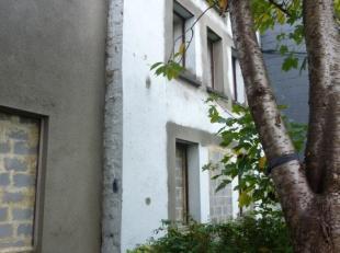 Maison à abattre (CU1 en cours) pour construction d'un immeuble avec vue exceptionnelle sur la Meuse en face du CHR, rare sur Namur.