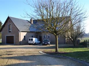 Maison 4 chambres (avec grand jardin) dans le village de Bois-de-Villers à 10 min de Namur. Composée au rez de chaussée d'un hall