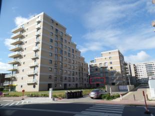 Appartement près du Dynastielaan, de Westhoekreservaat et Leopold I'Esplanade.<br /> Entrée, living spacieux avec cuisine ouverte, 2 cha