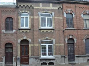 Belle maison de ville rénovée avec beaux volumes. 3 chambres avec possibilité d'aménager 2 chambres supplémentaires
