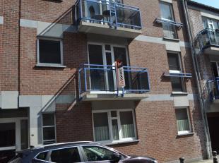 Bel appartement 3 chambres au 1er étage, cuisine équipée, garage privé. Libre au 1/9.