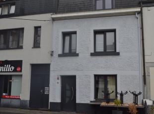 Au cœur de Jambes, face à la Meuse et à la Citadelle, belle maison entièrement rénovée, avec 3 chambres, libre rapi