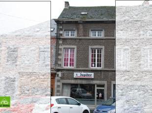NAMUR (Limite Saint-Servais) avec une grande visibilité, sur grand passage, maison de commerce idéalement située, sur une petite