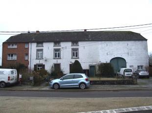 En plein axe Namur/Eghezée, dans un cadre campagnard calme, authentique et volumineux complexe immobilier composé de deux immeubles r&ea