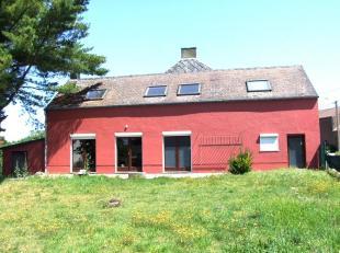 Dans un cadre campagnard hyper calme, spacieuse et confortable maison avec grand jardin idéalement exposé sud-ouest. Vaste séjour