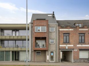 Ruim duplexappartement met zuid gericht terras.<br /> Indeling: ruime woonkamer, volledig ingerichte keuken + berging, 1ste badkamer, app toilet en 2