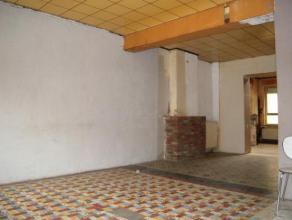 Grâce-Hollogne: maison à rénover, 1 grand living, salle à manger, cuisine non équipée, 4 chambres dont 1 avec