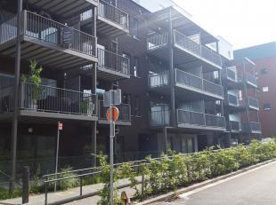 Loyer : 600 hors charges privatives + 50 location parking privatif obligatoire + 95 provision de charges communes et gaz (eau chaude et chauffage).<br