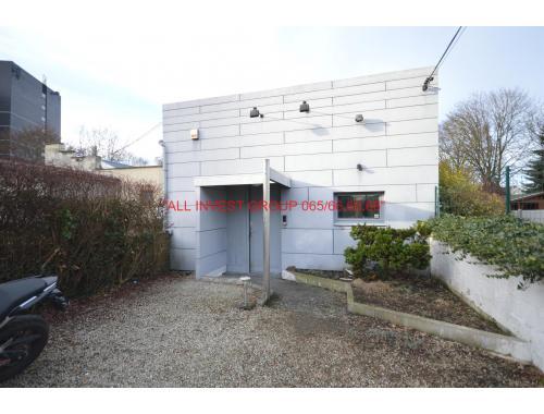 Bâtiment commercial à vendre à Mons, € 159.000