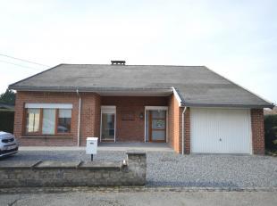Loyer : 950€ hors charge privatives<br /> Nous vous proposons à la location cette belle villa de plain-pied située à Obo
