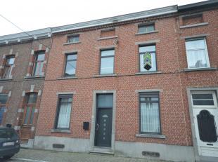 Prix indicatif 220.00 Euros.<br /> Nous vous proposons à la vente cette belle maison de Maître, situé proche du centre de la commu