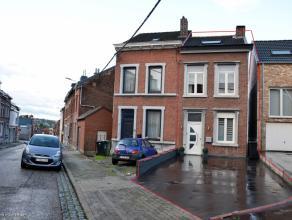 Herstal - Rue Guillaume Delarge, 76. Maison 3 façades avec passage latéral. Idéalement située à proximité im