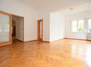 Ma Campagne - Superbe appartement de +/- 160m² au rez-de-chaussée d'un bel immeuble art déco. Il se compose d'un hall d'entr&eacute