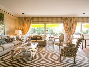 A proximité du Bois de la cambre  Sublime appartement de luxe 1 chambre meublé avec gout d'une superficie totale de 99m² + grande t