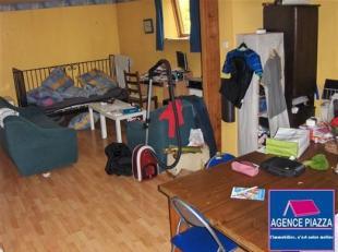Appartement de 60m² composé d'un salon living cuisine équipée, 1 chambre et 1 salle de bain avec 1 wc.chauffage (convecteurs