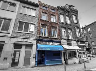 REAL ESTATE SET (te renoveren) houdende Twee huizen en een benedenverdieping COMMERCIAL (converteerbaar zijn in kots studio's of onder voorbehoud van