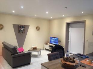 Appartement situé au rez de chaussée d'une copropriété de 2 appartements+ bâtiment de 120 m² à ré