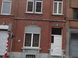 Spacieuse maison de maître située à poximité des Hautes écoles de Charleroi (Condorcet, Université du travail