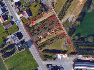 Ensemble de 2 terrains situés dans une rue calme, proches des grands axes.Achat par lot individuel ou en ensemble. Possiblité de constru