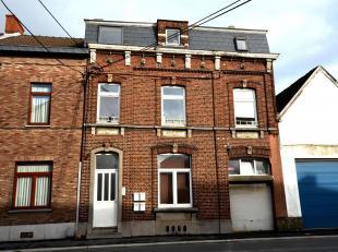 IMMEUBLE DE RAPPORTImmeuble comprenant 3 logements (en conformité urbanistique) + 1 logement (à mettre en conformité par l'acqu&e