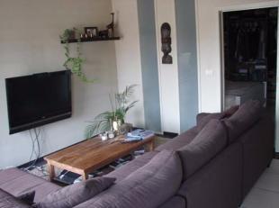 Zeer mooi en groot appartement met 1 grote slaapkamers en groot terras op toplocatie te Gent nabij het Zuid.<br /> Het appartement is op de 3de verdie