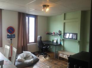 Mooie trendy studio (geen domicilie) in centrum van Gent, nabij hoge scholen en universiteiten, met aparte slaapkamer.<br /> ENKEL STUDENTEN!!!<br />