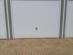 Garage à louer                     à 9900 Eeklo