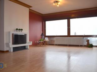Bij het betreden van deze betaalbare topper vallen luchtigheid en ruimte u direct in de smaak (94 m² bewoonbaar oppervlak). De garage, gemeenscha