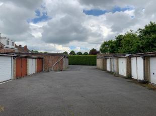 Veilige en beschutte garagebox/opslagruimte gelegen in een garagecomplex te Brugge. Momenteel verhuurd. Ideale vastgoedinvestering.<br /> De totaalopp