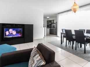 Dit appartement op de eerste verdieping is momenteel verhuurd met elke maand een correcte betaling van huur en kosten aan een degelijk rendement.Via d