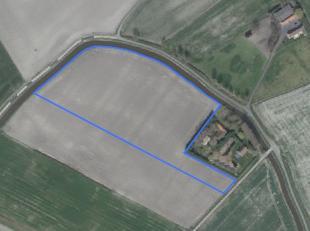 Perceel van 2 ha 65 are 63 ca akkerland te koop te Middelkerke (Schore)<br /> <br /> Verpacht, opzegbaar voor landbouw met vooropzeg 3 jaar