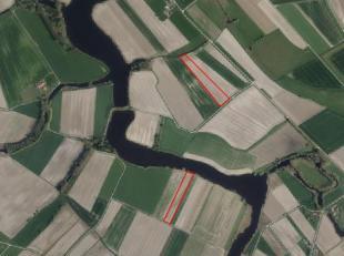 Percelen akkerland te koop nabij de Blokkreek Sint-Margriete<br /> Momenteel verpacht<br /> <br /> 1) 1 ha 4 are aan de kreek<br /> 2) 1 ha 53 are 21