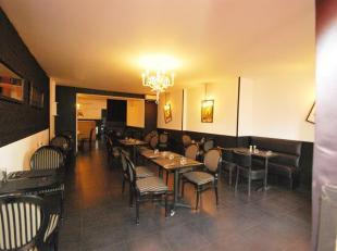 !!! OPTION !!! Forest : A proximité de la Place Saint-Denis Commerce actuellement occupé en horeca, composé : 1 salle de restaura
