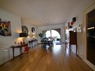 Forest à la limite directe d'Uccle et à proximité de la maison communale, belle Maison Unifamiliale de +/- 285m² se compose