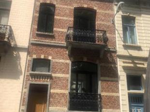 Bruxelles: Quartier Ambiorix, belle Maison bruxelloise de 1910 renovée dans un style très contemporain, 1ère occupation apr&egrav