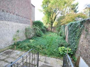 Saint-Gilles: Quartier Louise - Defacqz belle Maison Unifamiliale, d'inspiration néoclassique fin 19ème siècle, composée :