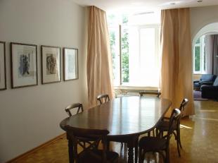 Saint Gilles : A proximité de la place Stéphanie bel Appartement Meublé de 178m² composé : living de 3 pièces