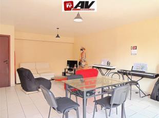 Mons (Centre-Ville) : Bel appartement 3 chambres situé dans le quartier Rachot. COMPOSITION : Halle d'entrée, 3 belles chambres, un wc,
