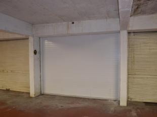 garagebox te huur.Met licht en stopkontakt in de garage