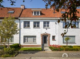 Roeselare-centrum : toffe te renoveren ruime rijwoning voorzien van 4 slpks met een zongerichte tuin op 242m².Droomt u van een eigen bouwcreatie,