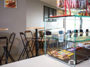 Roeselare-Centrum. Centraal gelegen broodjeszaak van +/-120m2. Instapklaar en uiterst verzorgd. Verbruiksruimte + keuken + berging. Vlakbij Vives Hoge