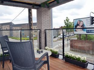 Roeselare Residentie Arena-Penthouse - Dichtbij scholen en winkels - Zeer ruime hoekterras- Twee slaapkamers - Zolder- Derde verdiepDeze nieuwe reside
