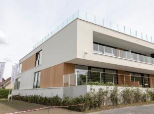 Roeselare-Rumbeke: Erkende assistentieflat ' T WITHOF met hoogstaande afwerking van 100m² + terrassen en autostaanplaats. Uniek concept.Dit exclu