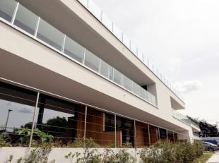 Roeselare-Rumbeke: Erkende assistentieflat ' T WITHOF met hoogstaande afwerking van 70m² + terrassen en autostaanplaats. Uniek concept.Dit exclus