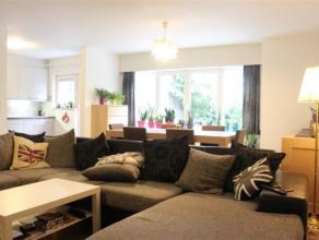 LICHT EN RUIM 2 slaapkamer appartement in de buurt van de Zwaantjes. Naast een grote woonkamer met aanpalende keuken beschikt u over een badkamer met