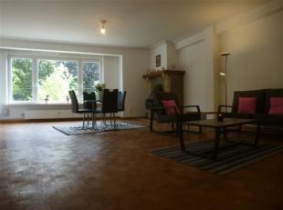 """Laat deze kans u niet voorbij gaan!  Dit volledig gerenoveerd 2 slaapkamer appartement kijkt uit op het prachtige groen van """"Kielpark"""" . Volledig ge&i"""